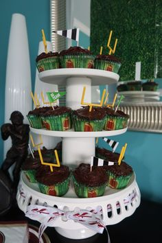 Football themed Party Food Cupcakes Fear the Spear - Football Birthday Party Ideas, Food, Decor and Activities Football Favors, Football Tailgate, Football Themes, Football Birthday, Chocolate Covered Pretzel Sticks, Todays Parent, Cupcake Party, Birthday Party Themes, Cupcakes