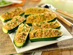 Courgettes farcies au thon - Recettes Recipe zucchini filled with tuna. Ingredients people): 4 small zucchini, 250 g natural tuna, 150 g cream cheese like Philadelphia . Healthy Recipes For Diabetics, Healthy Gluten Free Recipes, Healthy Pasta Recipes, Healthy Soup, Vegan Recipes, Snack Recipes, Smoothie Recipes, Bowls, Tuna Recipes