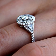 I don't think I actually have an opinion on a ring. this one's beautiful, though!