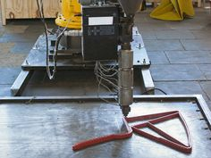 production of furniture via giant robot: Endless Chair by Dirk van der Kooij