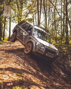 """@landroverphotoalbum: """"I know I've posted this before - but it's awesome to see a Freelander 2 in action! By…"""" Freelander 2, Land Rover Freelander, Grand Vitara, Range Rover, Toys For Boys, Land Cruiser, 2 In, Offroad, 4x4"""