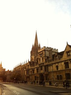 Up for a quick visit to Oxford before winter sets in? I've chucked together a rundown of places in the city that wear autumn particularly well…