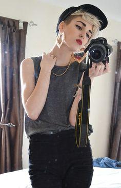 Blond short hair <3