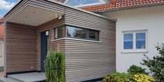 The rhombus strips alternative: Trendliner contrast System Architecture, Modern Architecture House, Architecture Details, Wooden Facade, Wooden Door Design, Wood Front Doors, Wooden Doors, Wooden Canopy, Concrete Wood