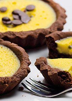 Tarteletes de chocolate com creme de maracujá