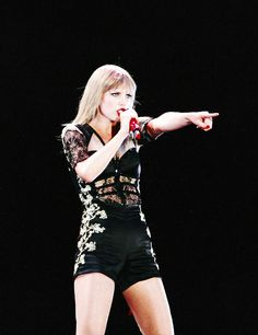 Red Tour... I love her outfits!!!