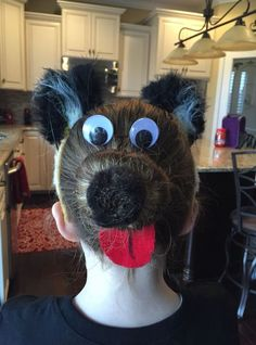 11 Wacky Hair Ideas for Kids Here are some creative hairstyle ideas that you can use for Wacky Hair Day or Crazy Hair Day at school. You can also use these ideas for Halloween or parties. Crazy Hat Day, Crazy Hair Day Girls, Crazy Hair For Kids, Crazy Hair Day At School, School Hair, Little Girl Hairstyles, Cute Hairstyles, Hairstyle Ideas, Wacky Hairstyles