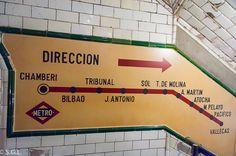 Madrid Metro, Metro Subway, U Bahn, Barcelona, Drawing, Inspiration, Metro Station, Old Advertisements, Parking Lot