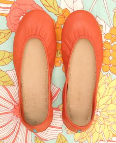 Add a splash of fun to your ensembles this summer! Tangerine Tieks are the perfect flat to brighten any look. Shop this style and find outfit inspiration here.