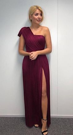 Dancing On Ice: Holly Willoughby stuns as she flaunts incredible figure in sultry burgundy dress for semi-final - FanHost. Burgundy Gown, Purple Dress, Ice Dresses, Prom Dresses, Sexy Dresses, Beautiful Dresses, Holly Willoughby Legs, Ballroom Dress, In Pantyhose