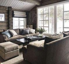 Love the furniture arrangement by the big window Chalet Interior, Interior Design Living Room, Kitchen Interior, Cabin Homes, Log Homes, My Living Room, Living Spaces, Cozy Living, Modern Log Cabins