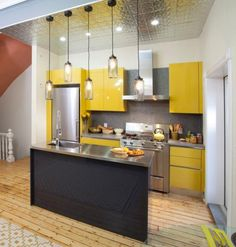 Looking for Modern Kitchen and Small Kitchen ideas? Browse Modern Kitchen and Small Kitchen images for decor, layout, furniture, and storage inspiration from HGTV. Small Kitchen Design Images, Small Modern Kitchens, Simple Kitchen Design, Small Kitchen Layouts, Kitchen Designs, Kitchen Small, Narrow Kitchen, Square Kitchen, Kitchen Modern