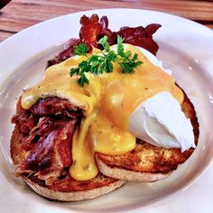 Eggs Benedict with Ham Hock and Béarnaise sauce at Two Birds One Stone in South Yarra