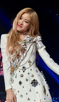 Stage Outfits, Kpop Outfits, Blackpink Debut, Rose And Rosie, Black Pink Kpop, 1 Rose, Blackpink Fashion, Blackpink Jennie, Park Chaeyoung