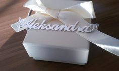 Verižica z imenom Aleksandra http://bromelia.si/zenski-nakit/ogrlice/ogrlice-z-imenom