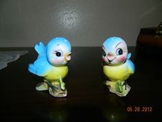 VINTAGE LEFTON BLUEBIRDS SALT AND PEPPER SHAKERS BLUE BIRDS JAPAN