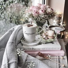 Class, charme and more - Book and Coffee Book And Coffee, I Love Coffee, Coffee Art, Coffee Break, Morning Coffee, Coffee Cups, Sweet Coffee, Cappuccino Coffee, Decoration Shabby