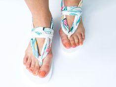 Sling Back Flip Flop Tutorial DIY // SewCaroline.com