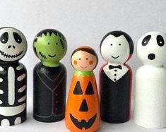 Items similar to Halloween Peg Doll, Give Me Candy Jack o'Lantern Art Doll, Halloween Folk Art, Tiered Tray Decor on Etsy Wooden Crafts, Paper Crafts, Felt Crafts, Wood Peg Dolls, Dollhouse Miniatures, Diy Dollhouse, Halloween Toys, Tray Decor, Art Dolls