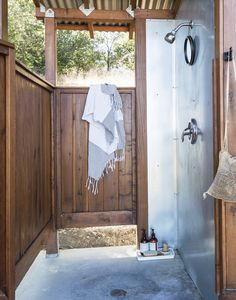 Outdoor showers Napa valley platform camping