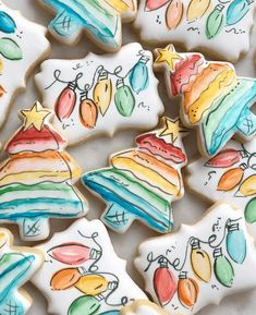 The best fun, decorated royal icing Christmas cookie ideas. Cute ideas for a gif. - The best fun, decorated royal icing Christmas cookie ideas. Cute ideas for a gift exchange, for kid - Cute Christmas Cookies, Iced Cookies, Cute Cookies, Royal Icing Cookies, Cookies Et Biscuits, Holiday Cookies, Christmas Treats, Christmas Baking, Christmas Recipes