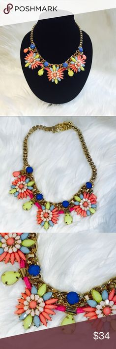 Statement necklace & earrings set ShopAdore Statement necklace & earrings set ShopAdore boutique, adjustable clasp closure, earrings for pierced ears, beautiful colors perfect for Easter, spring, and summer Jewelry Necklaces