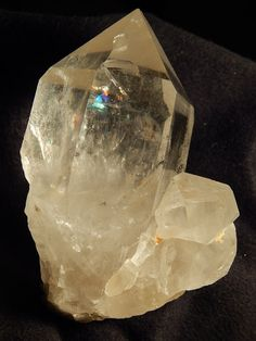 Hello, here is a 100% Natural Quartz Crystal with super clarity and a nice shape! This specimen is from Brazil!  The overall Crystal measures a