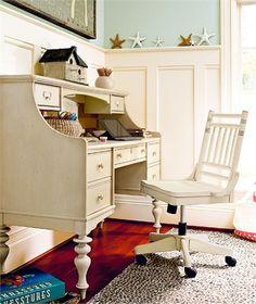Paula Deen Gals Desk