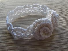 CROCHET HEADBAND WITH TWO ROSES