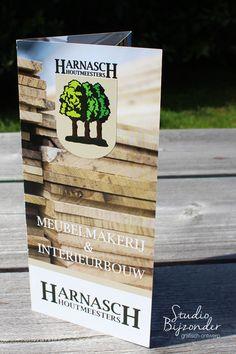 Folder ontwerp voor Harnasch Houtmeesters