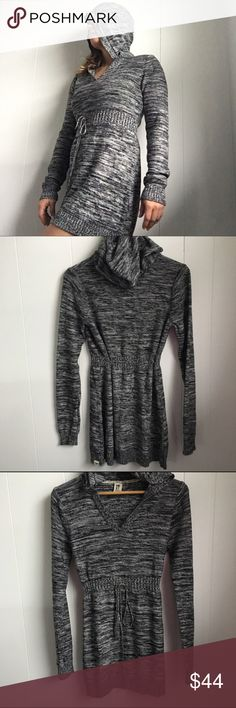 "Roxy knit hooded sweater dress black white large Flawless. So soft and comfy. Pit to pit laying flat is 18"". Backneck length 31"". Sleeves are long 28"". Lightweight with drawstring waist. Dresses Long Sleeve"