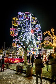 eine Runde mit dem Riesenrad am Veldener Advent - die Stadt der Engel machen und die Aussicht von oben über den Wörthersee und den Adventmarkt genießen Ferris Wheel, Advent, Fair Grounds, Travel, City Of Angels, Christmas Time, Circuit, Places, Viajes