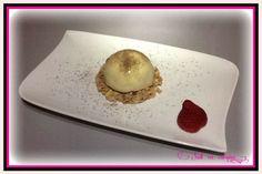 Dôme chocolat blanc, mousse fruits rouges, cœur meringué sur croustillant chocolat blanc