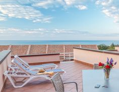 Book a minimum stay of 3 nights and save the 25%.  #SicilyHoliday #InterludeVacation www.incefaluapartments.it