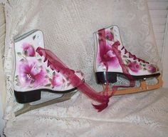 Gorgeous HP Roses Ice Skates SZ 1 Country Chic by bydottijo, $38.00