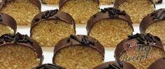 Recept Nepečený kokosový salám Czech Recipes, Christmas Baking, Muffin, Food And Drink, Sweets, Drinks, Breakfast, Cake, Kitchens