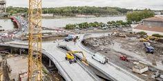 Tête de Pont por Josep Lluís Mateo, en construcción. Fotografía © Adrià Goula. Señala encima de la imagen para verla más grande.