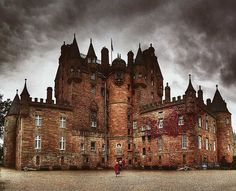 Medieval, Glamis, Scotland ★-Can you even begin to *imagine. The History, Happenings, beyond the walls of this Castle ? Beautiful Castles, Beautiful Buildings, Beautiful Places, Scotland Castles, Scottish Castles, Places To Travel, Places To See, Chateau Moyen Age, Chateau Medieval