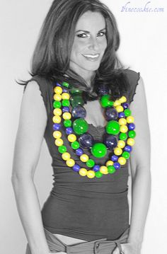 edible beaded mardi gras necklace by 1 Fine Cookie http://www.1finecookie.com/2012/02/gumball-beaded-necklaces-adorn-your-neck-or-cupcakes-with-them/