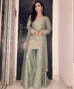 Silky Short Length Straight Shirt With Plazo - Pakistani dresses Pakistani Fashion Party Wear, Pakistani Wedding Outfits, Desi Wedding Dresses, Shadi Dresses, Pakistani Formal Dresses, Pakistani Dress Design, Beautiful Pakistani Dresses, Stylish Dress Designs, Designs For Dresses