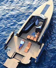 Follow our friends @theaffluentleague for great luxury content. ✨ @evoyachts