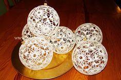 Pierwsze bombki. ~ Moje Prace na Szydełku Snowflakes, Christmas Crafts, Decorative Plates, Dream Catchers, Angels, Home Decor, Crochet, Dreamcatchers, Decoration Home