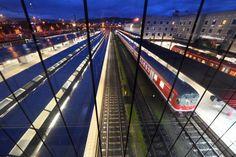 Deutsche Bahn overweegt om te stoppen met de uitbating van een aantal hogesnelheidslijnen naar België, zo schrijft Le Soir vrijdag. De Duitse spoorwegmaats...