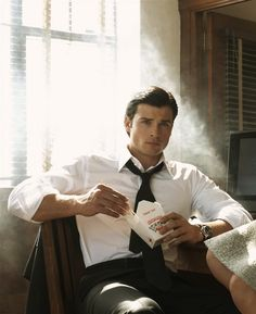 Tom Welling. One of the best actors I've seen play the role of Superman. I've heard he is a sweetheart in person too. =)