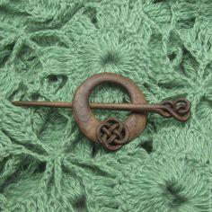 Купить Заколка для шали резная - коричневый, однотонный, заколка, Фибула, для шали, для трикотажа, для шарфа