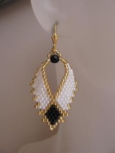 Beadwoven Russian Leaf Earrings - FREE SHIPPING - White/Black. $22.00, via Etsy.