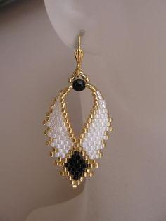 Beadwoven Russian Leaf Earrings - FREE SHIPPING - White/Black. $22.00, via Etsy.