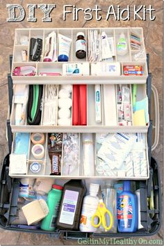 Read a list of first aid items to include in your DIY first aid kit including gauze hydrogen peroxide splints Neosporin ibuprofen and more. See the list. First Aid Kit Checklist, Diy First Aid Kit, First Aid Tips, Camping First Aid Kit, Disaster Preparedness, Survival Prepping, Survival Skills, Survival Gear, Survival First Aid Kit