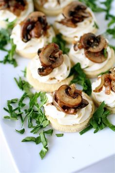 Mushroom and Mascarpone Tarts and a Virtual Baby Shower Snacks Für Party, Appetizers For Party, Appetizer Recipes, Canapes Recipes, Tapas, Appetisers, Food Presentation, Junk Food, Finger Foods