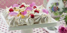 FRISTELSE: Server denne glutenfrie kaken med økologiske roseblader, eventuelt roseblader fra egen hage!